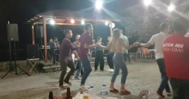 Τo Despacito με κλαρίνο σε πανηγύρι στη Ράμια Άρτας (VIDEO)